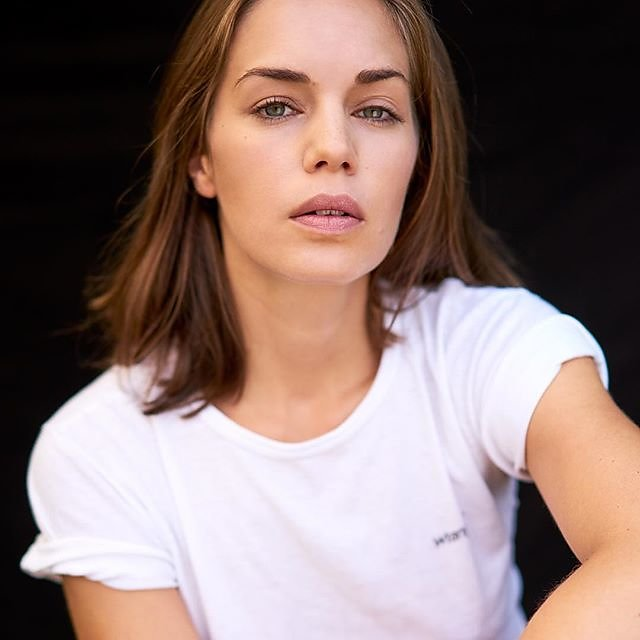 Needs no filter. @ines_imhof #menschfotograf #professionalmodel #alphaddicted #newmodel #streetwearfashion #lindbergh #brownhairgirl #greeneye #relaxday #blackbackground #beautifulwoman #lifestyles #modelagency #bookings #whiteshirt #beautyshot #beautymod